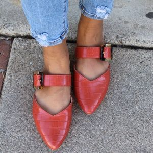 🆕️//Fall Favorite Collection//Ginger Croco Flat